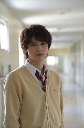 髪型もかっこいいと話題のイケメン俳優!吉沢亮さんプロフィール!